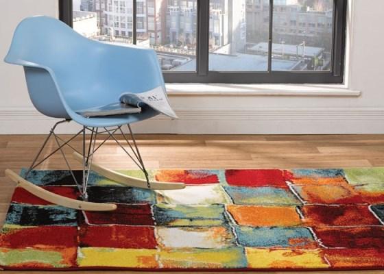 Tappeto colorato a quadri