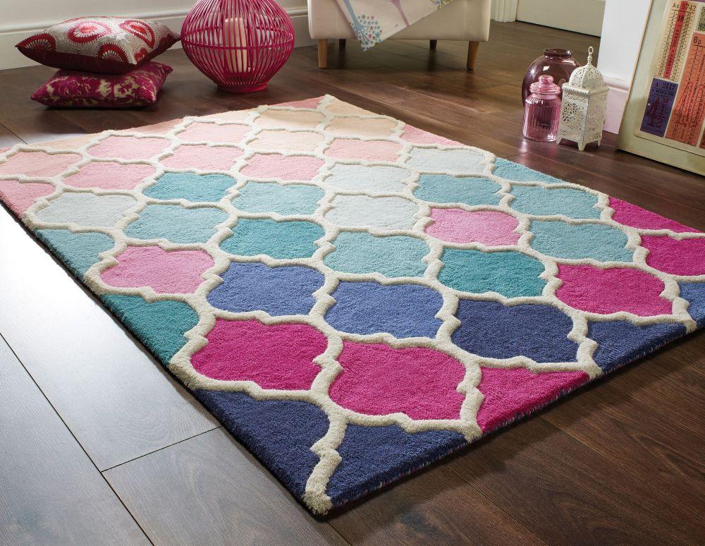 tappeto soggiorno in lana rosa e azzurro